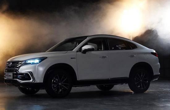 长安汽车旗下首款轿跑SUV车型CS85将在下月的广州车展期间亮相_快