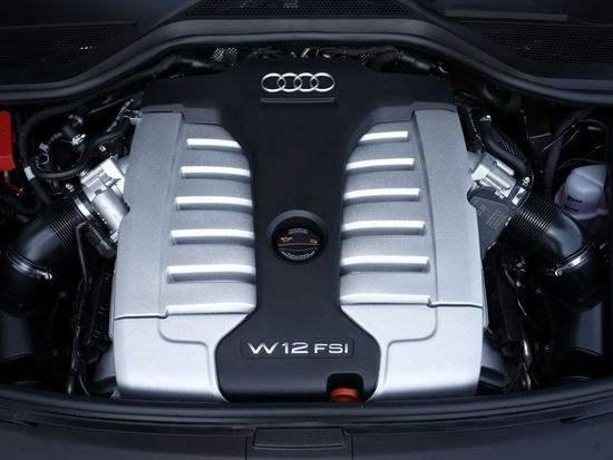 """发动机可谓汽车的""""心脏"""" 因此车辆发动机的维修和养护也是至关重要"""