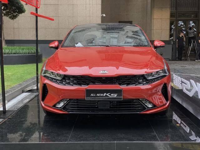 国产起亚K5凯酷与海外版对比,新车用料更丰富