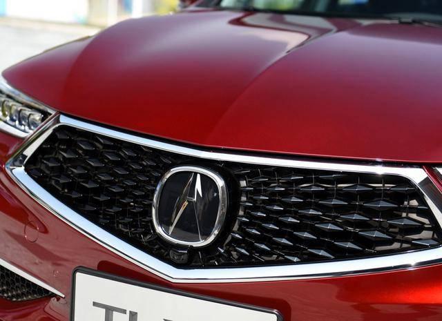 新款讴歌TLX实车现身,内饰惊艳四座,2.0T+四驱更让人期