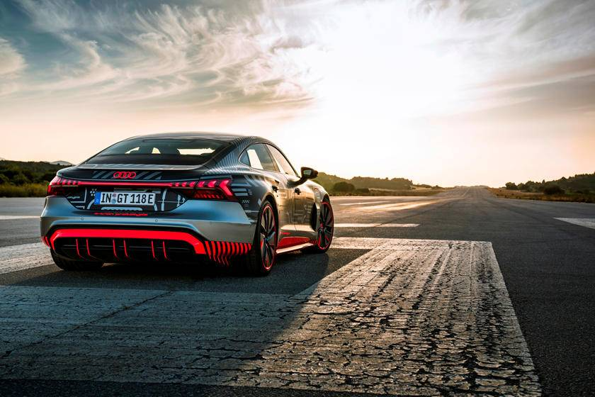 炸裂!动力比R8高性能更爆,TA将是奥迪最强量产车,没有之一