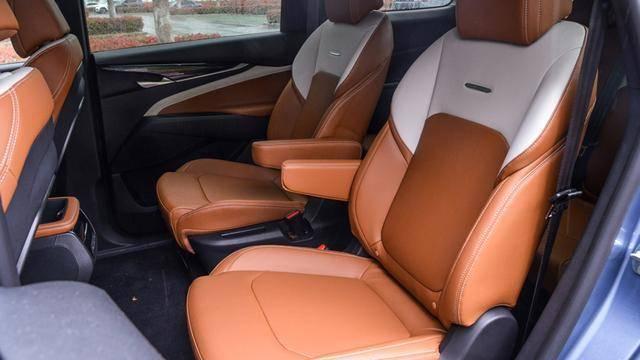 上汽大通G50 PLUS又出新车,比现款贵6千值得买吗?