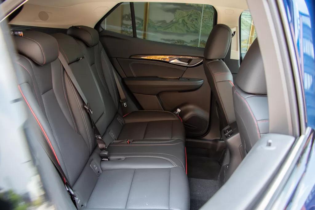 试驾昂科威S GS,它开起来有啥体验?