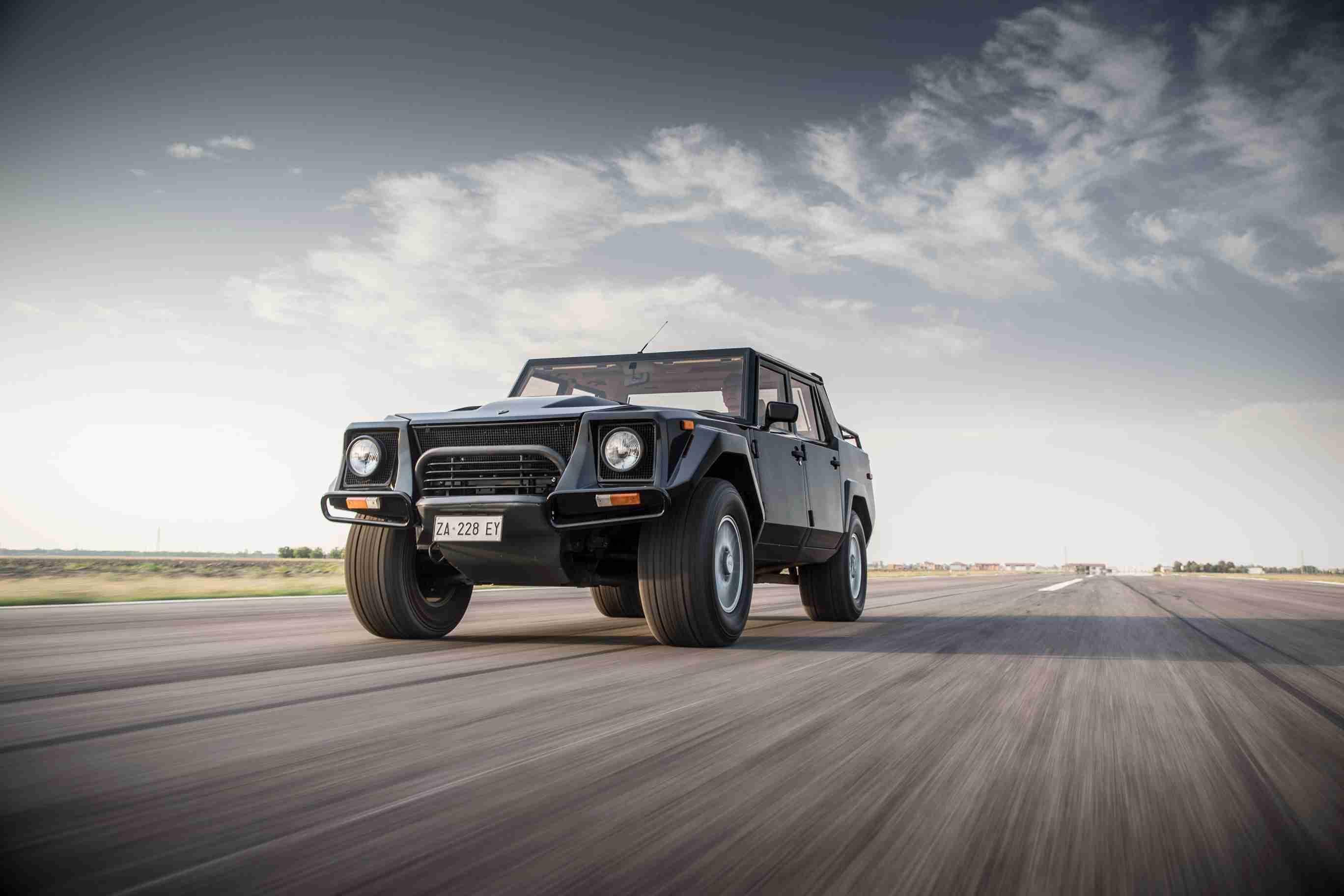 04- 兰博基尼回顾首款SUV:传奇车型LM002.jpg
