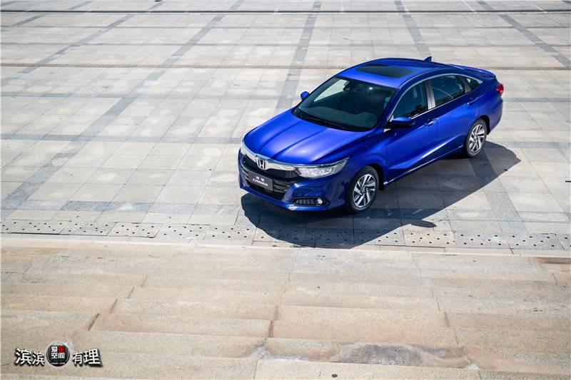 蓝车4.jpg