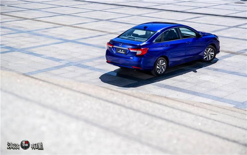 蓝车3.jpg