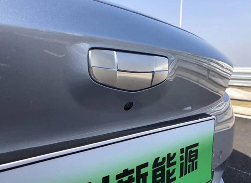 工信部获得了一组吉利汽车旗下全新纯电动车型Ge11的申报图