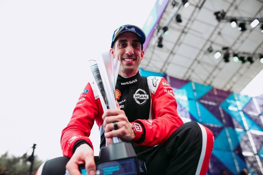 3. 塞巴斯蒂安·布埃米(Sebastien Buemi)首次登上第六赛季世界电动方程式锦标赛领奖台.jpg