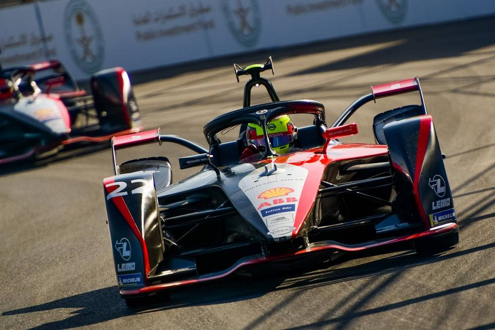 4. 作为首家参加世界电动方程式锦标赛的日本汽车制造商,日产汽车已连续两年出战该赛事.jpg