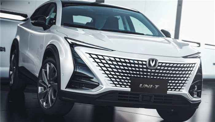 """长安旗下全新序列""""引力""""下首款车型UNI-T全球首发亮相"""