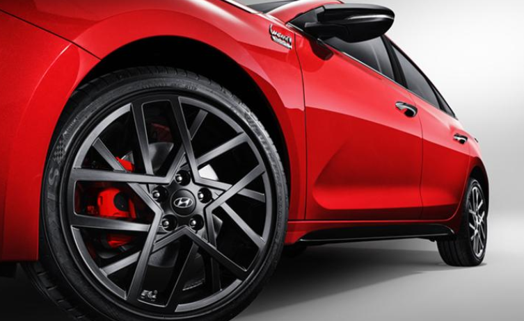 售价13.38万起,次顶配车型更香,2021款现代菲斯塔正式上市